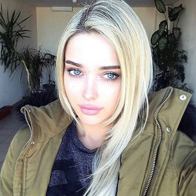 A Russian beauty wants to chat