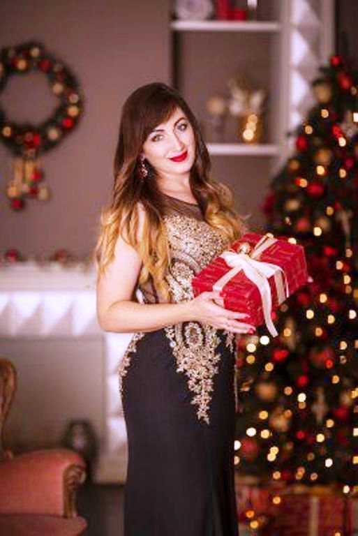 Beautiful Russian woman to give a present to