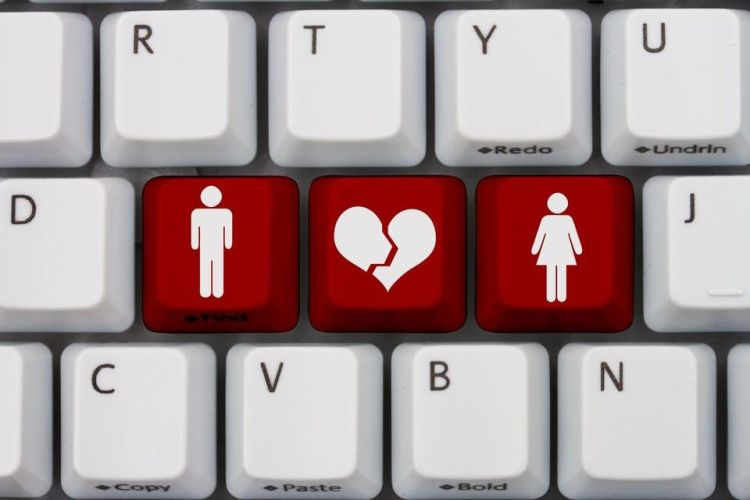 Fraudsters and scammers to avoid on international dating websites