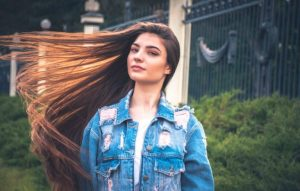 Dating Russian single women online and in real life