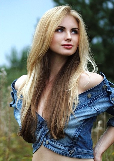 Beautiful and sexy Russian girls looking for love and marriage abroad